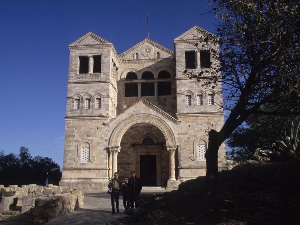 כנסיית ההשתנות בפסגת התבור.