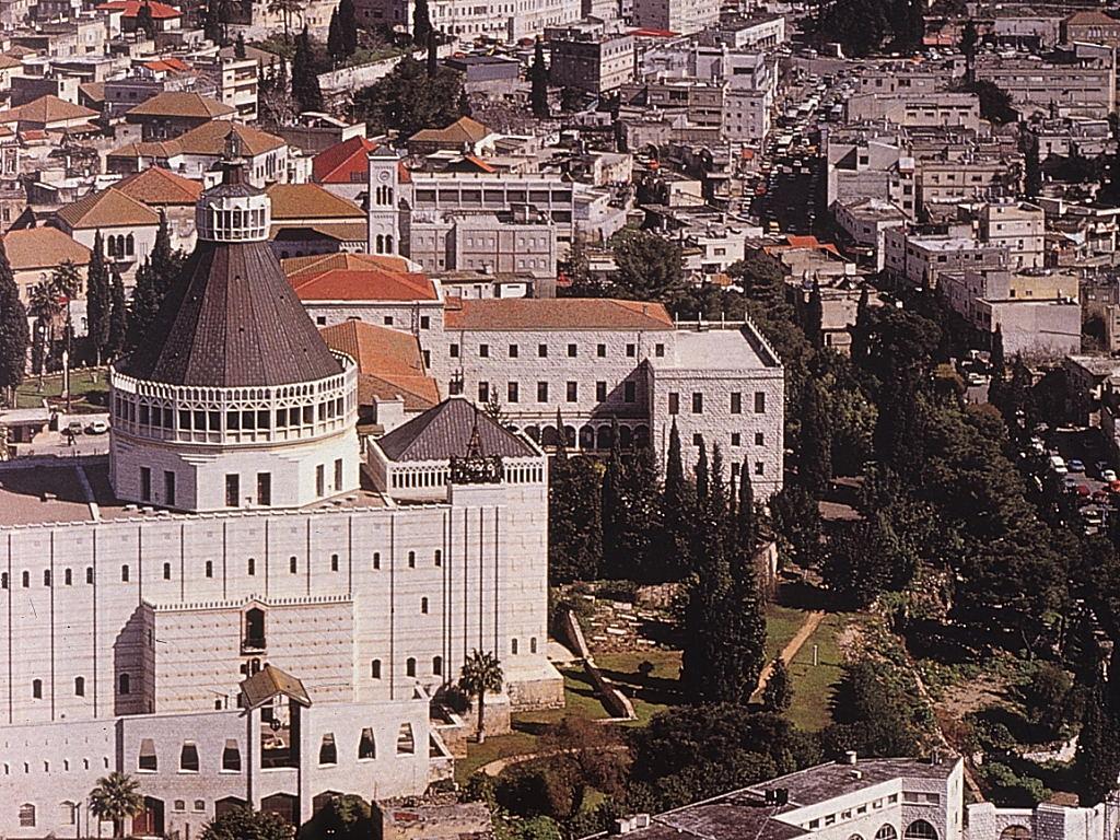 כנסיית הבשורה בנצרת והחרוט בעל 16 הצלעות המתנשא מעליה (המקור: אינטרנט)
