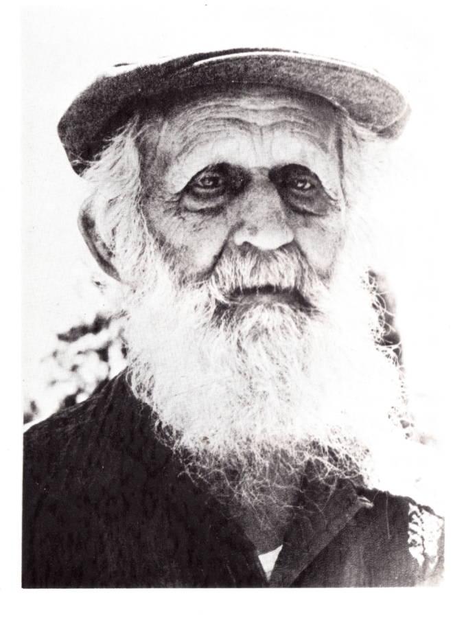 Read more about the article נח נפתולסקי – איש הצמחים והפרחים